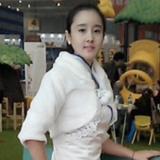 模特-张小欣